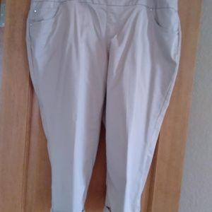 Cropped Pants/Capris- Khaki